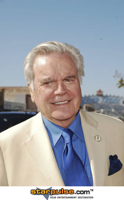 Robert Wagner profile, Robert Wagner Pictures, Robert Wagner Photo