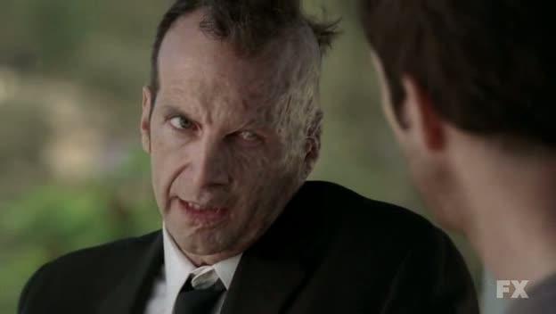 1x01-American-Horror-Story-S01E01-Pilot-HDTV-XviD-FQM-Dylan-McDermott-Connie-Britton