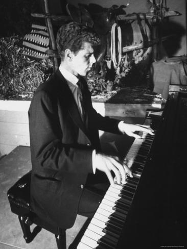 stan-wayman-keyboard-and-piano-player-van-cliburn_i-G-27-2778-41NTD00Z