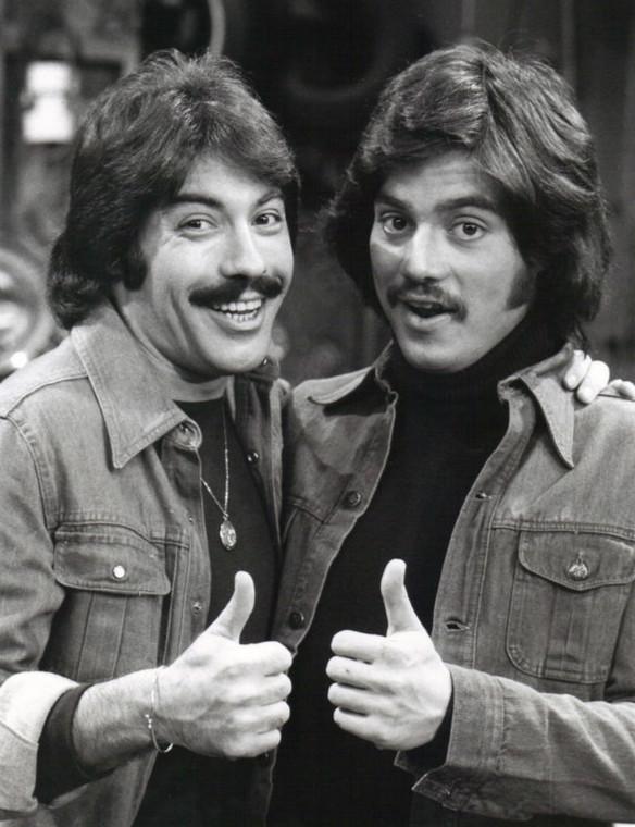 Freddie_Prinze_Tony_Orlando_Chico_and_the_Man_1976