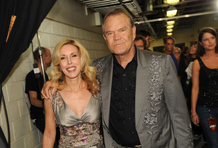 Glen+Campbell+2012+CMT+Music+Awards+Audience+21-ztpIFJjsx