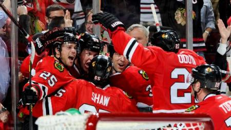 dm_130430_nhl_wild_blackhawks