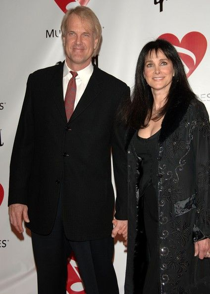 john_tesh_and_connie_sellecca_image1
