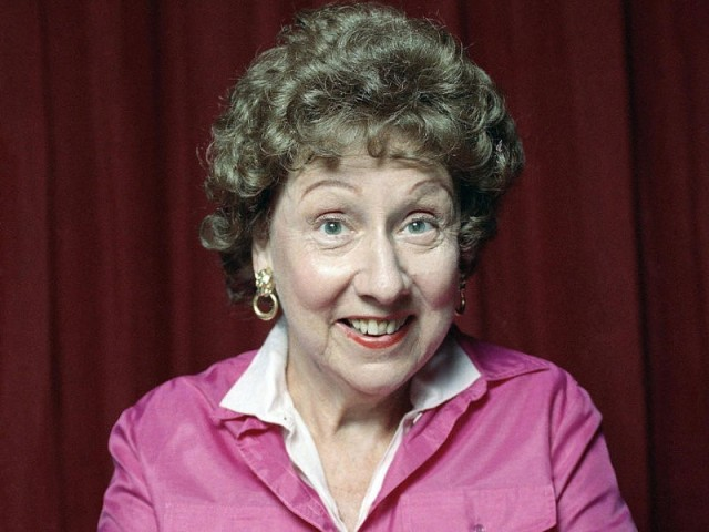 jean-stapleton-dies-at-90