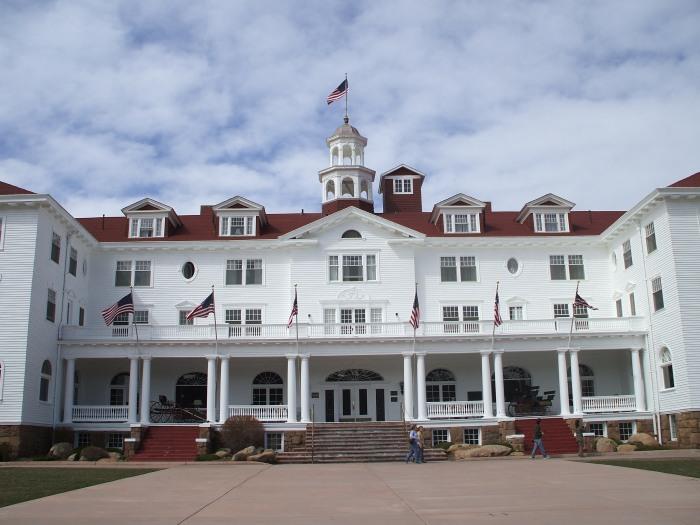 Stanley_Hotel_in_Estes_Park,_Colorado