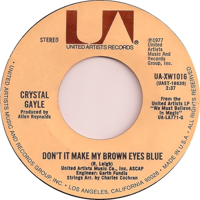 crystal-gayle-dont-it-make-my-brown-eyes-blue-1977-3