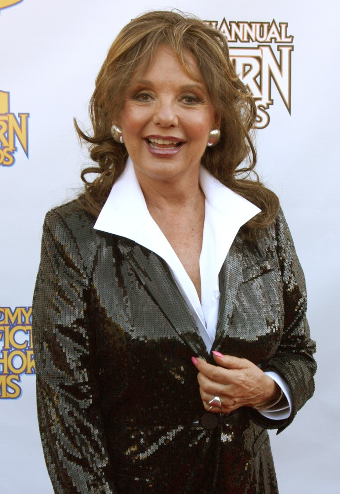 dawn-wells-2012-saturn-awards-01