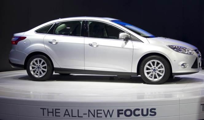 2014-ford-focus-sedan