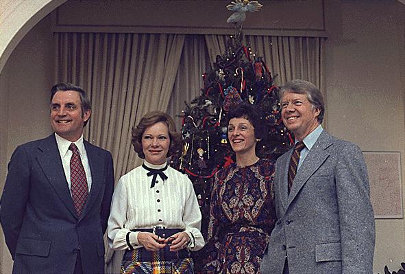 Walter_Mondale,_Rosalynn_Carter,_Joan_Mondale_and_Jimmy_Carter