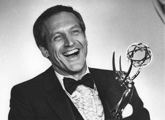 Actor-Daniel-J-Travanti-receives-Emmy-Award-as-Outstanding-Lead-Actor-in-Hill-Street-Blues_8