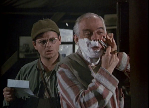 mash-season-4-14-mail-call-again-radar-oreilly-colonel-potter-harry-morgan-gary-burghoff