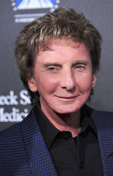 Barry+Manilow+Arrivals+Rebels+Cause+Gala+GHTxBJ4n7Bkl
