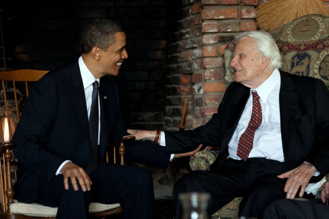 Billy_Graham_with_Barack_Obama