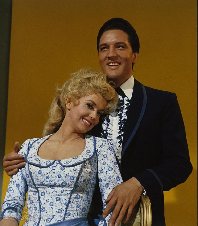 still-of-elvis-presley-and-donna-douglas-in-frankie-and-johnny-(1966)-large-picture