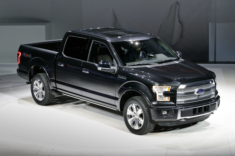 2015-ford-f-150-in-detroit-front-side-view
