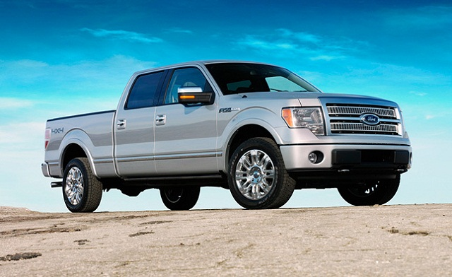 2015-Ford-F-150-Platinum-side-view