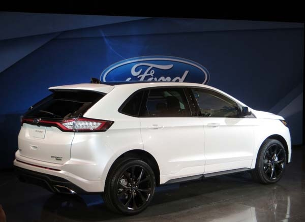 2015-ford-edge-sport-rear-reveal1-600-001