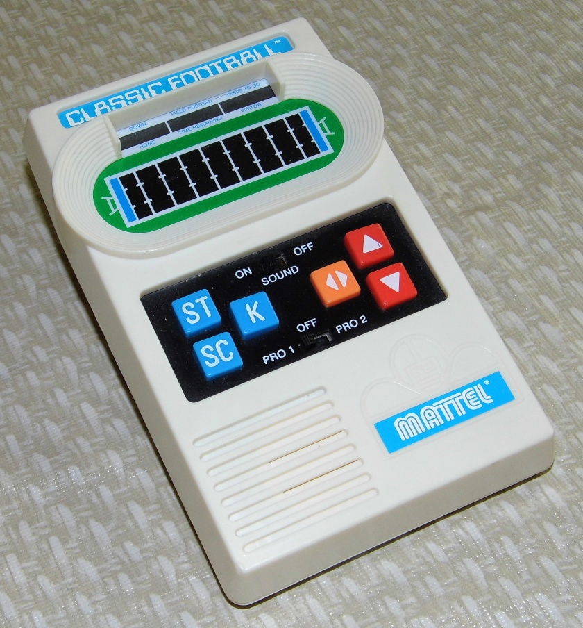Mattel_Classic_Football,_A_2000_Re-Release_of_the_Popular_1970's_Electronic_Game,_Made_in_China_(Handheld_Electronic_Game)