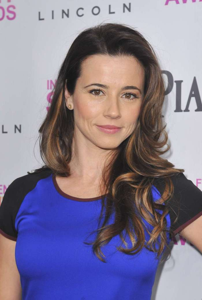 Linda-Cardellini-at-2013-Film-Independent-Spirit-Awards-02