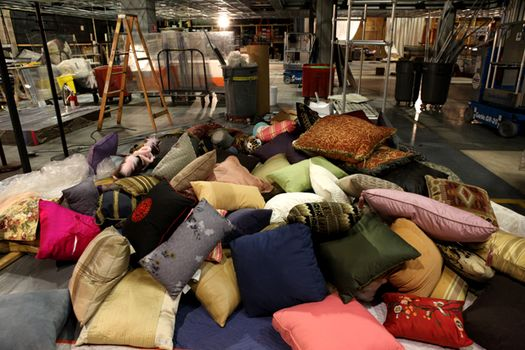 pile-of-pillows-on-set
