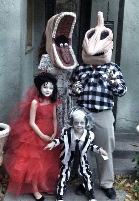 15-Unique-Family-Halloween-Costume-Ideas-2017-11